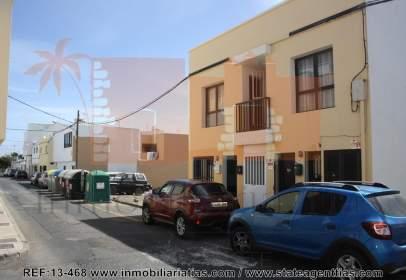 Flat in calle Lujan Perez, near Calle Zaranda