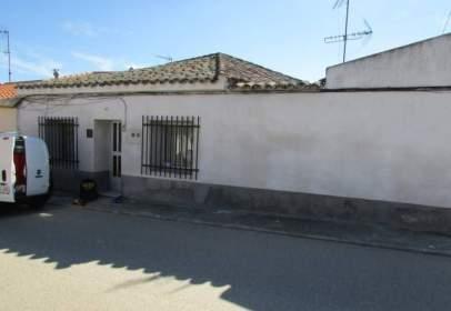 Casa adossada a Domingo-Perez