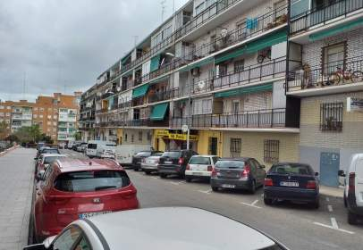 Flat in calle Virgen de Iciar, nº 32