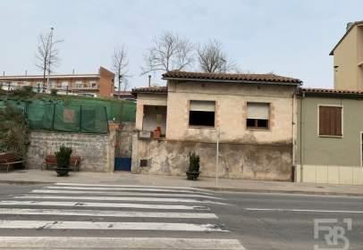 Casa en Carretera d'Olot, 9, cerca de Carrer de Sescorts
