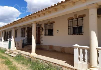 Casa rústica a calle Carretera C30,  Km. 2,40, nº 12