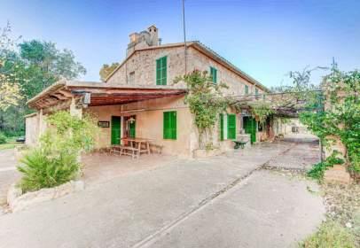 House in Carrer Llampúdol