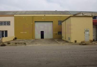 Nau industrial a Zona Industrial-Zona de L'estació-La Garrofera