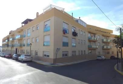 Pis a calle Poniente