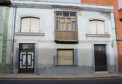 Chalet en Avenida Orbigo, nº 53