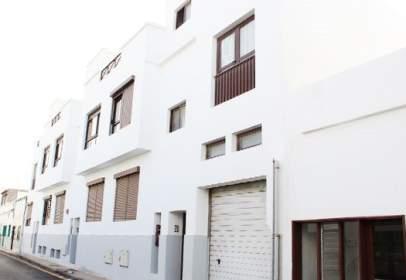 Garatge a calle Ramón y Cajal -