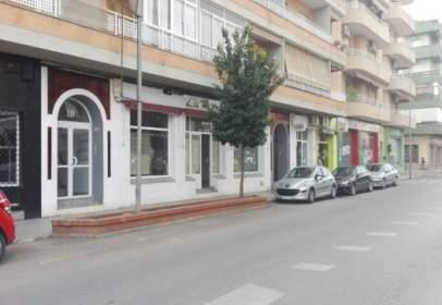 Commercial space in calle de Santa Marta, near Calle de Ortega y Muñoz