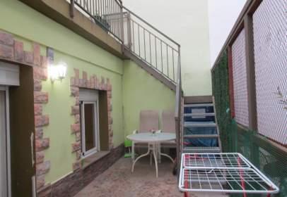Casa adossada a calle Santiago Rusiñol