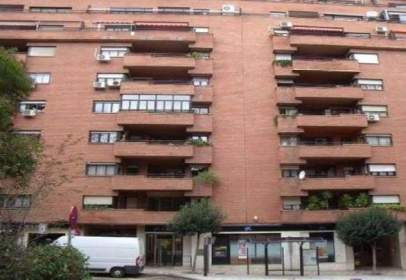 Commercial space in calle Ferial, nº 64