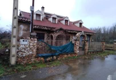 Chalet en Quintana del Castillo