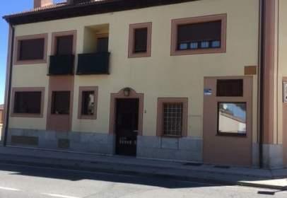 Garatge a calle Carretera de Turegano, nº 2