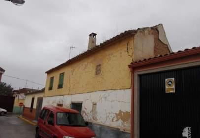 Casa adosada en Villafranca de los Caballeros