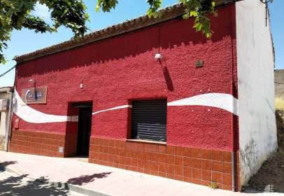 Casa adosada en Avenida Ramon y Cajal, nº 28