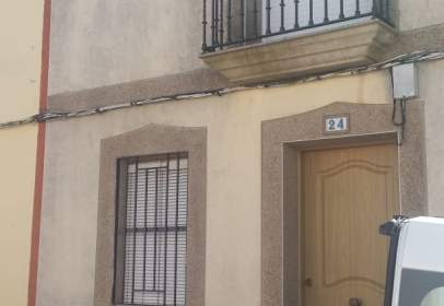 Terraced house in calle Blasco Ibañez, nº 24