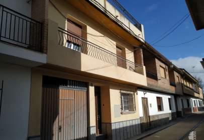 Casa adosada en calle Carihuela