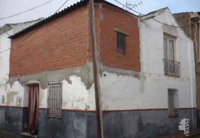 Casa adossada a Corral de Almaguer
