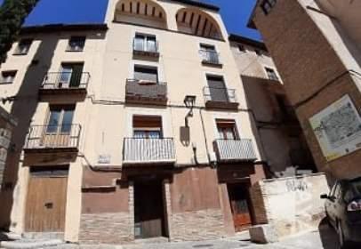 Flat in calle Rua Alta Becquer, nº 20