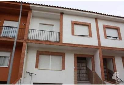 Casa adosada en Madridejos