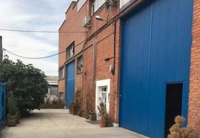 Nave industrial en calle de la Encina