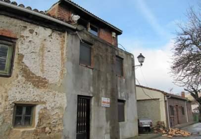 Casa en calle de la Alta del Río, nº 1