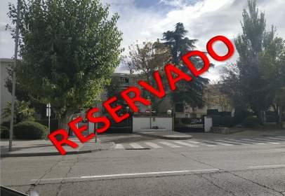 Pis a Avenida de Madrid