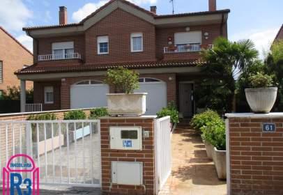 Casa adosada en Onzonilla