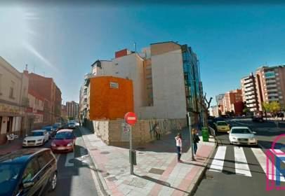 Terreno en Avenida de Álvaro López Núñez