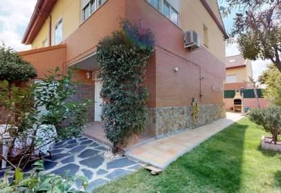 Casa pareada en calle Francisco de Quevedo, nº 16