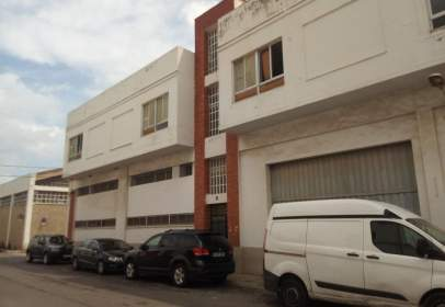 Nave industrial en Carrer Puig de Santa Maria