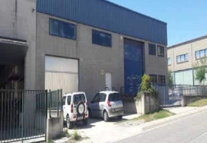 Nau industrial a calle Mas Les Vinyes
