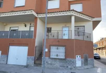 Casa adosada en calle Serranos