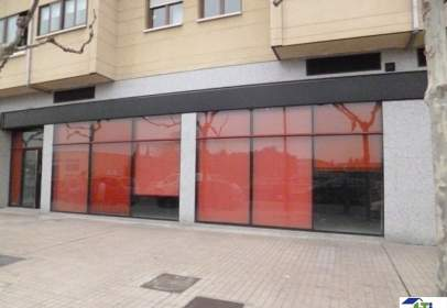 Local comercial a calle Gustavo Adolfo Bequer