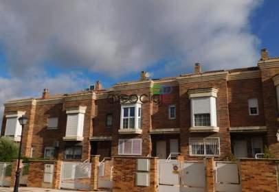 Casa adossada a calle Barca, nº 30