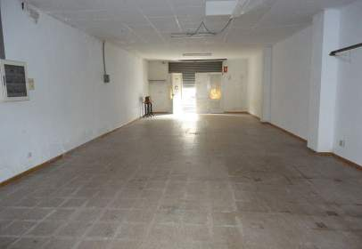 Commercial space in calle Montseny, nº 1