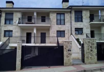 Casa adosada en Ctra. Soria