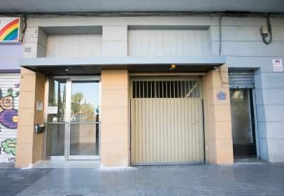 Garatge a El Castellar-L'Oliveral