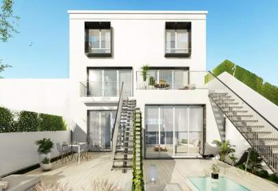 Terraced house in Pabellon