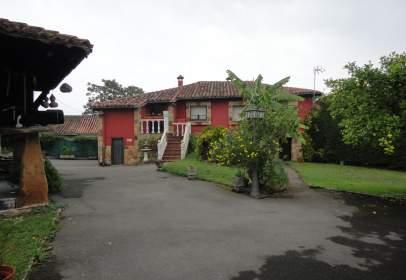 Casa en calle Bozanes, nº 21