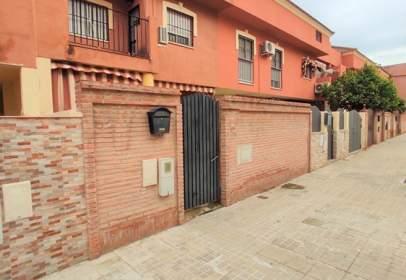 Casa adosada en Santiponce