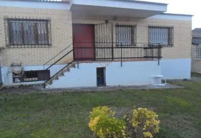 Xalet a calle Viña, prop de Calle Camino de Santo Domingo