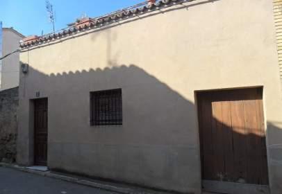 Casa adosada en calle de la Perla, nº 2