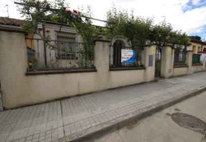 Casa adossada a Carretera Valencia, nº 14
