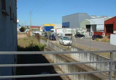 Nave industrial en calle Valladolid