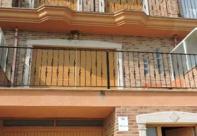 Casa adosada en Ronda dels Furs Valencians