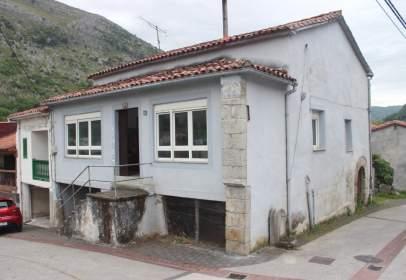 Casa pareada en calle Lastredo