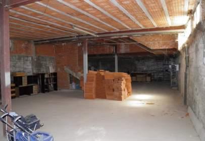 Warehouse in Avenida Calnuevas, nº 22