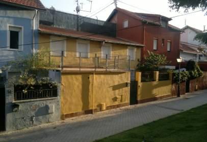 Terraced chalet in calle de los Guaramillos, nº 12