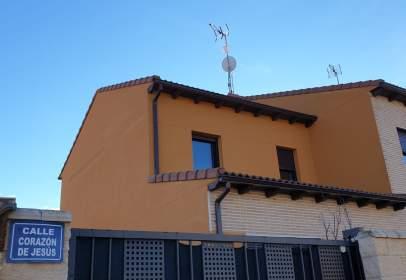 Casa pareada en calle Corazón de Jesus, nº 2