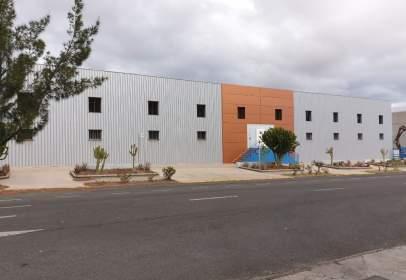 Nave industrial en calle Las Mimosas, nº 5