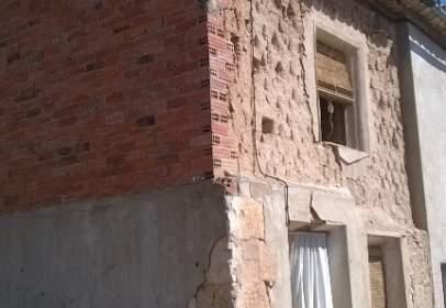 Casa adosada en calle de Miguel Delibes, nº 8